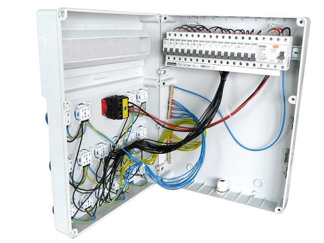 stromverteiler s fi 16x230v baustromverteiler schalter. Black Bedroom Furniture Sets. Home Design Ideas